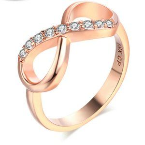 8 Shaped Ring 18K Gold Plated